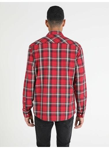 Colin's Regular Fit Standart Kol V Yaka Erkek Gömlek Uzun Kol Kırmızı